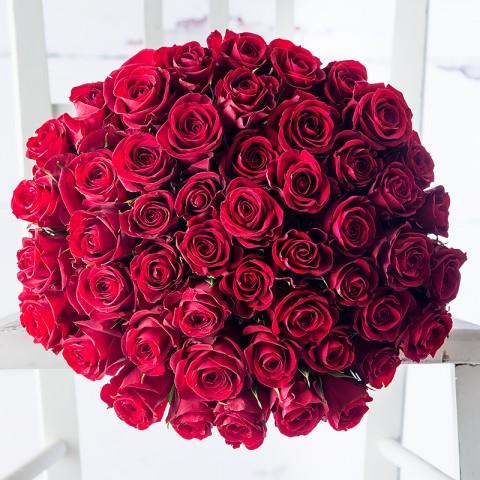 50 Red Roses & Moet Rose
