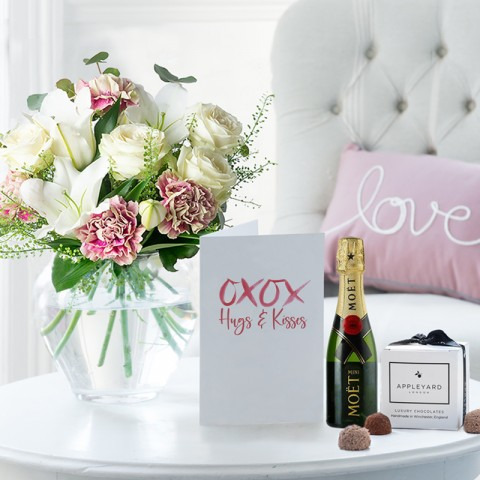 Simply Pink Rose & Lily, Mini Moët, 6 Mixed Truffles & Romance Gift Card
