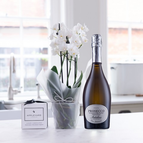 White Orchid, Prosecco & 6 Mixed Truffles