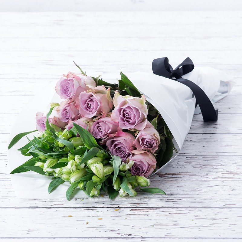 Lilac Rose Alstro Cut Flowers Gift Set