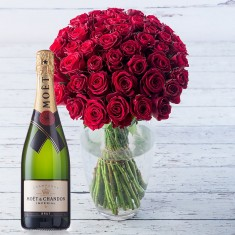 50 Red Roses & Moet Chandon