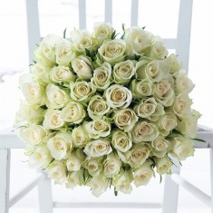 50 White Roses & Box of 9 Chocolates