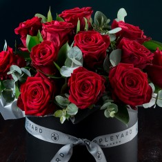 Red Rose Hatbox & Signature Red Rose & Oud Candle