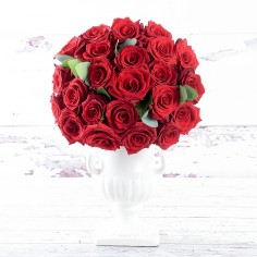 50 Luxury Red Roses